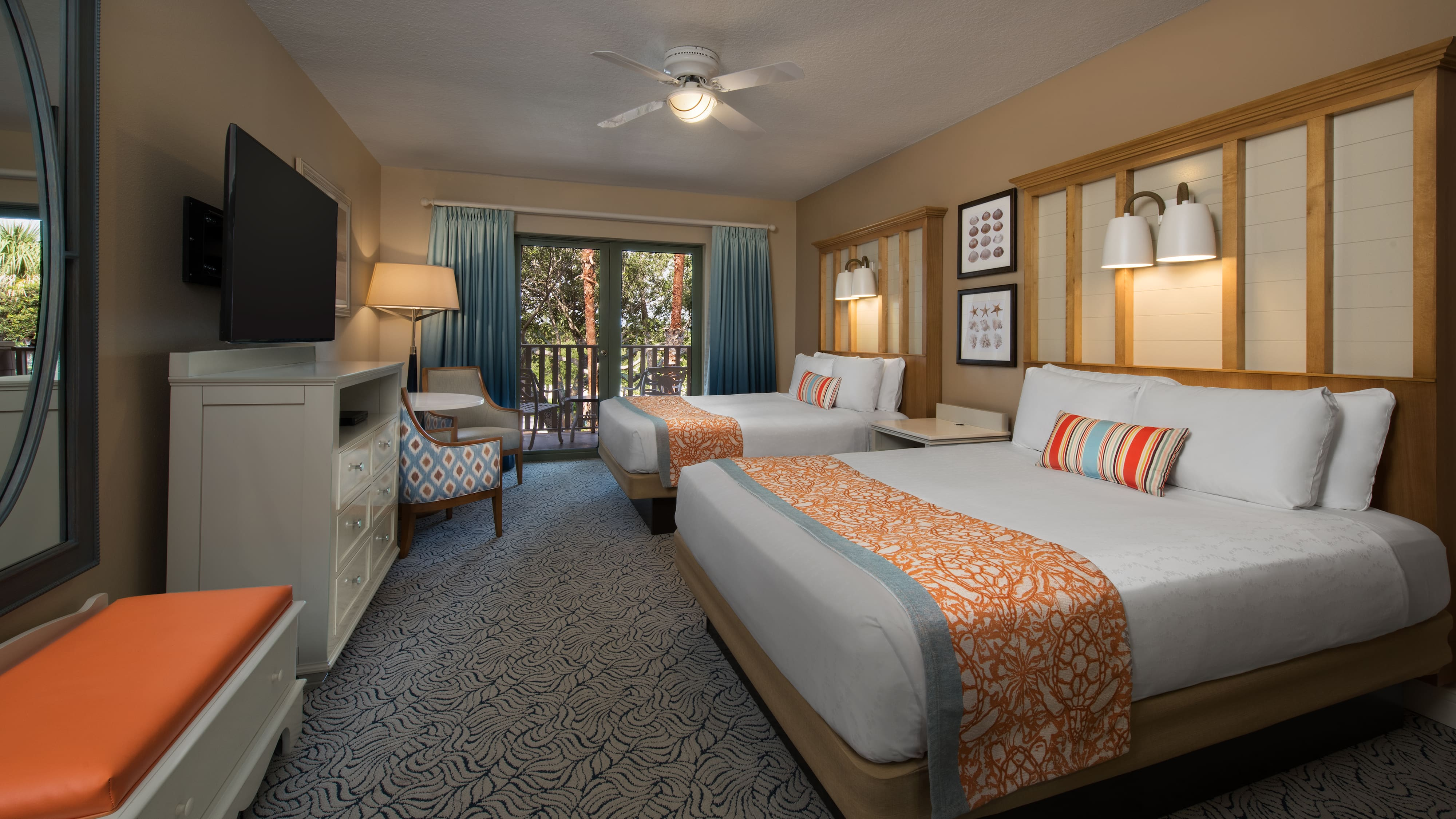 A Deluxe Inn Room With 2 Beds Sitting Area And Balcony Standard